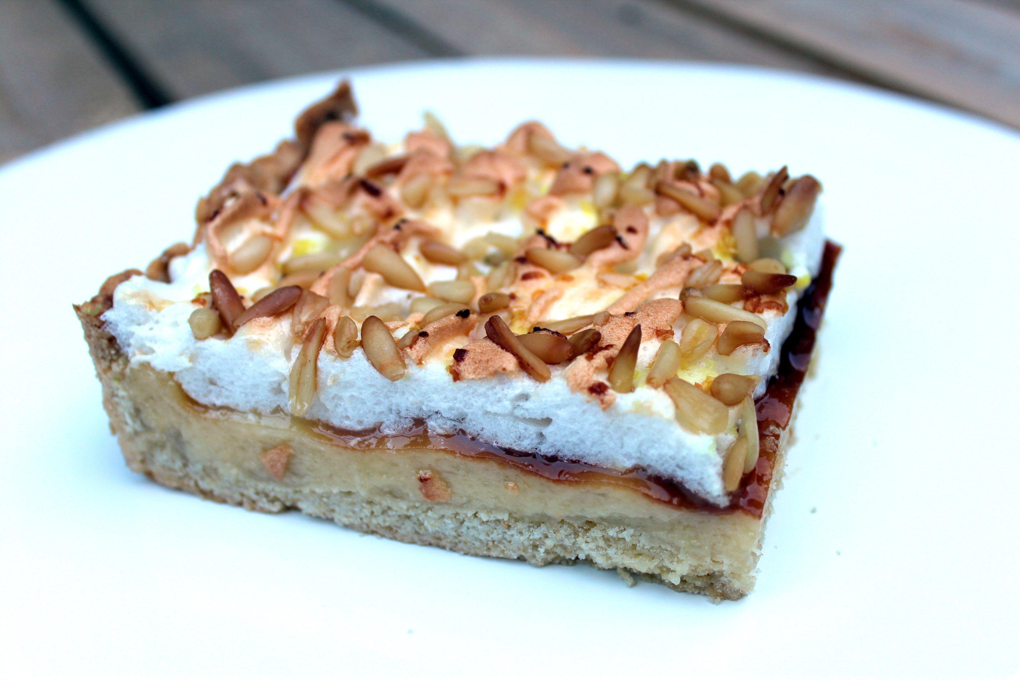 Photo of Torta alla crema e pinoli, versione della torta della nonna