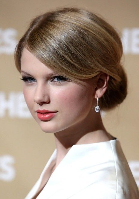 Taylor swift classic sleek chignon with side swept bangs classic sweep bangs classic updo hairstyles for weddings pmusecretfo Images