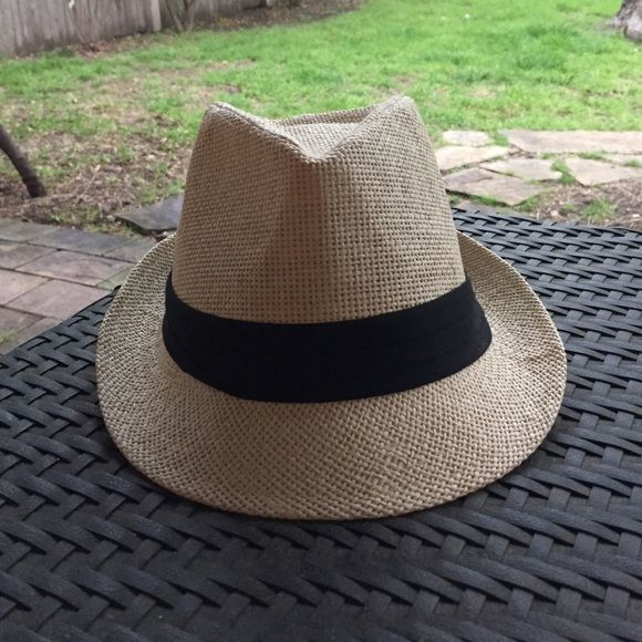 "Straw fedora Great straw fedora with black band. Interior circumference is 21."" Excellent condition! Accessories Hats"