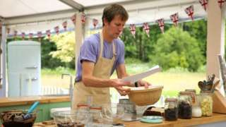 GBBO's Ian Cumming in Shippea Hill station mince pie quest