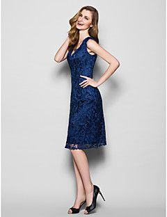 Lanting Bride® Sheath / Column Plus Size / Petite Mother of the Bride Dress Knee-length Sleeveless Lace with