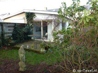 """Vakantiehuis """"Koraal"""" ligt net buiten het centrum van de Koog op Texel  www.Koraal.op-Texel.nl"""