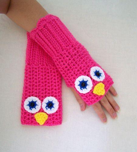 Crochet Glove In Hot Pink