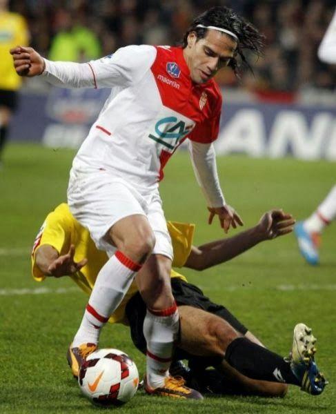 Noviembre, Falcao sufrió una lesión que le mantuvo más de un mes apartado de los terrenos de juego