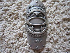 oakley badge