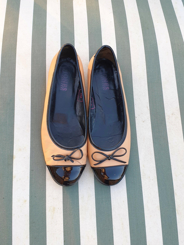 Leather ballet pumps patent toe jones