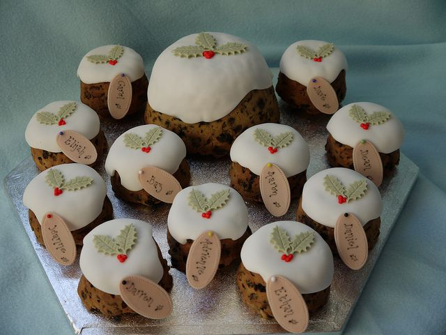 Christmas Cakes - Family cakes 010 by Cakes By Ade (from Ade's Piccies), via Flickr