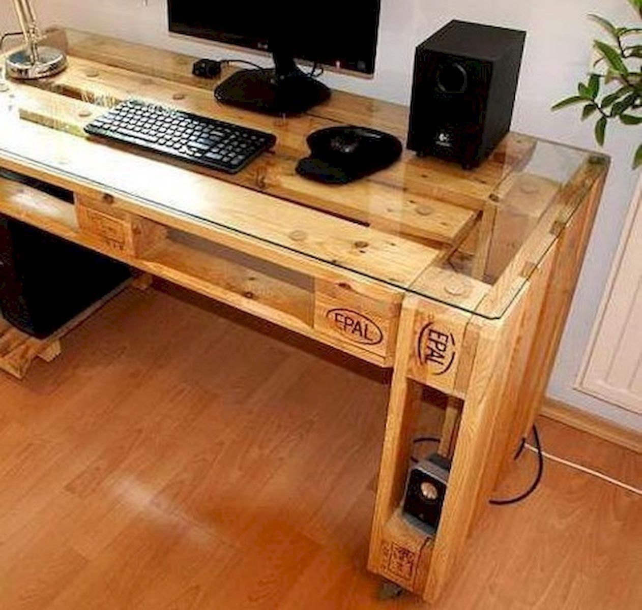 Diy Computer Desk Ideas Best Of 55 Fantastic Diy Puter Desk Design Ideas And Decor 26 In In 2020 Computer Desk Design Wooden Computer Desks Woodworking Desk Plans