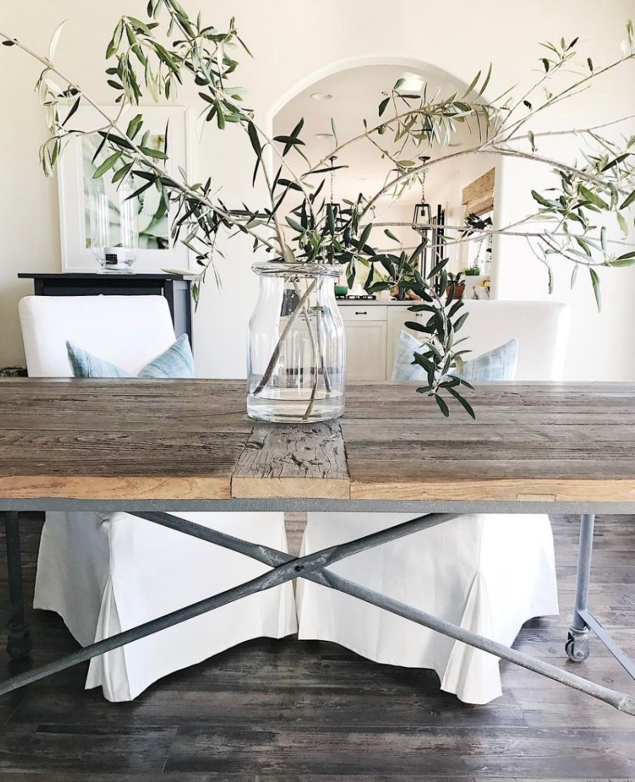 This dining room wall decor gives a whole new meaning to family tree