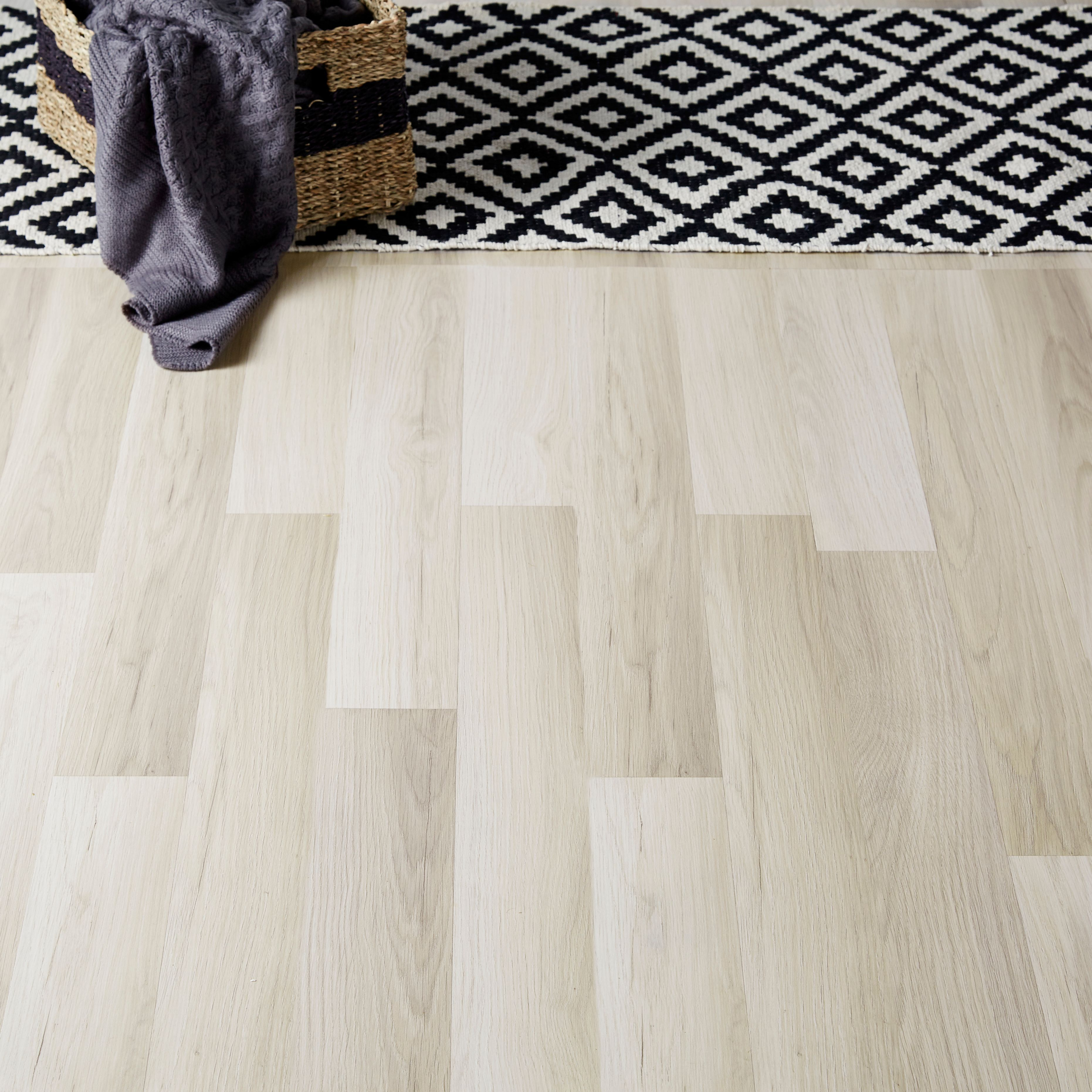 Townsville Grey Oak Effect Laminate Flooring 2.467 M² Pack