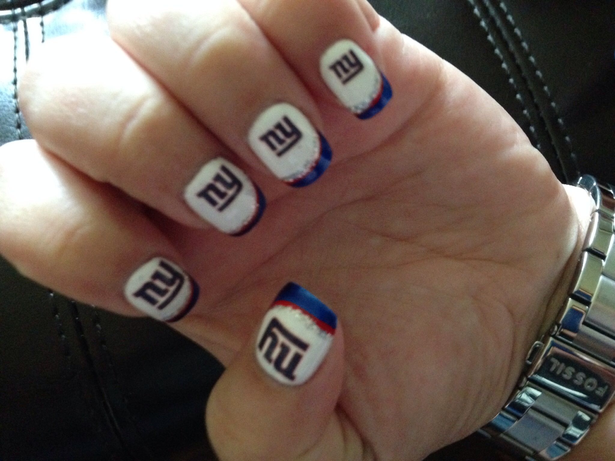 New York Giants Nails The Ny Logo Is A Nail Tattoo From Party City Nygiants
