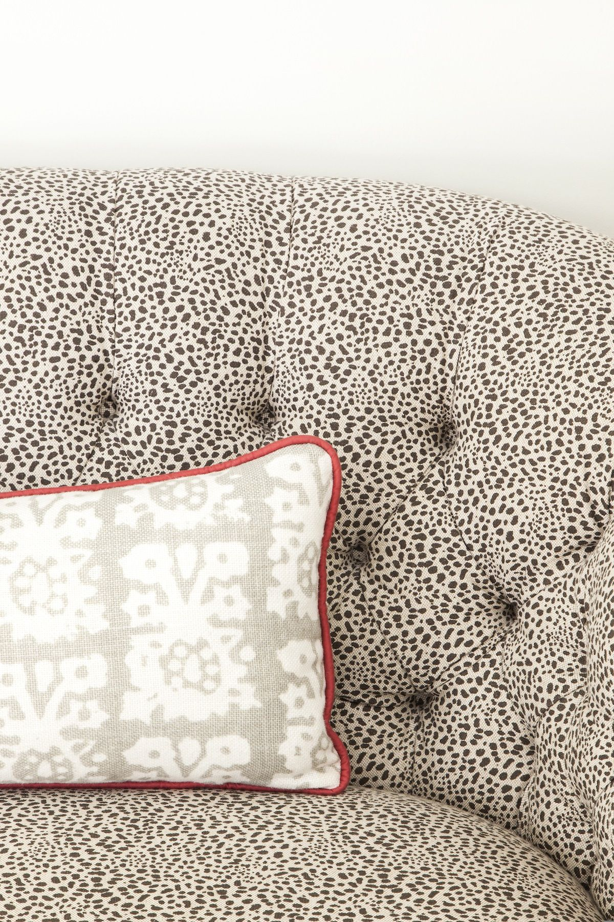 #pattern, #sofa, #tufted, #black-and-white, #fabric, #pillow