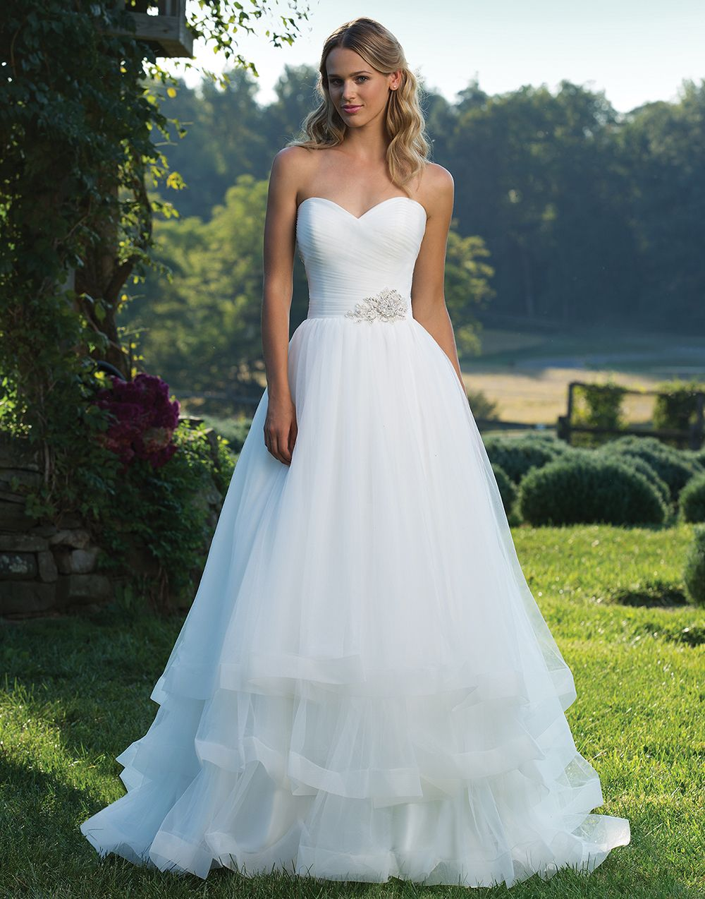 Ruched tulle sweetheart neckline, beaded motif, full tulle skirt and ...