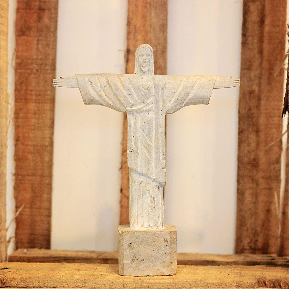 Esse Cristo Redentor E Feito De Pedra Sabao Por Artesaos De Minas