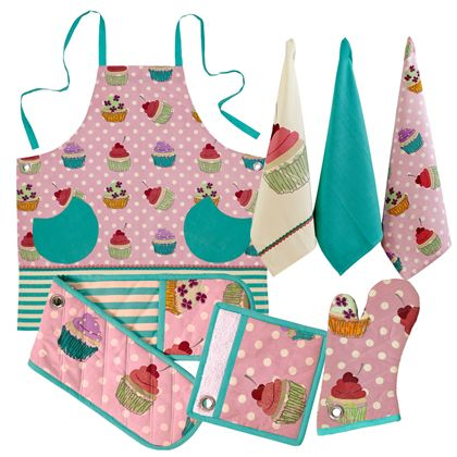 The Margaret kitchen range features a scrumptious cupcake design, perfect for the cupcake lover in your life. Each product is made from 100% Cotton. Margaret is available in aprons, double oven glove, pot holder, single oven glove and 3 pack tea towels.