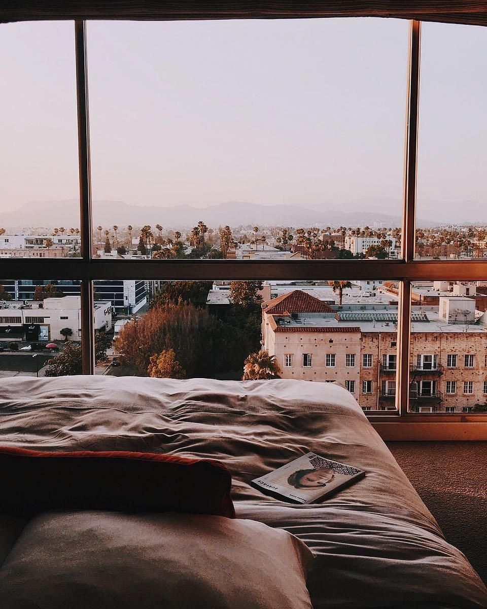 14 Of The Chicest Los Angeles Hotels For Bachelorette Parties Los Angeles Hotels Apartment View Los Angeles Apartments
