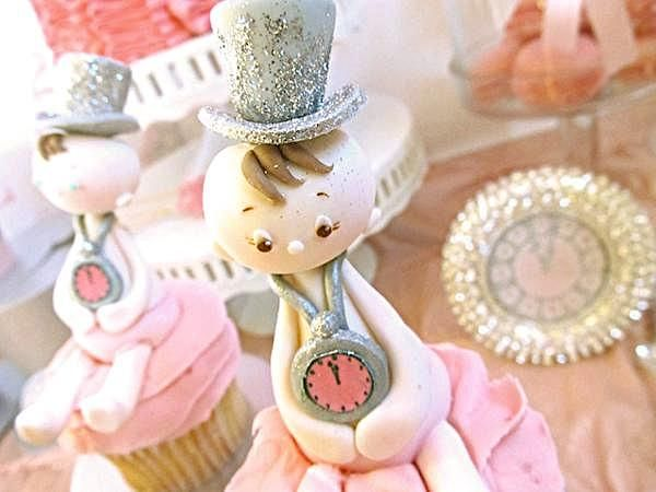 Glamorous Baby Girl Shower Ideas | New Year's Eve Boy Girl Glittery Glam Baby Shower Planning Ideas