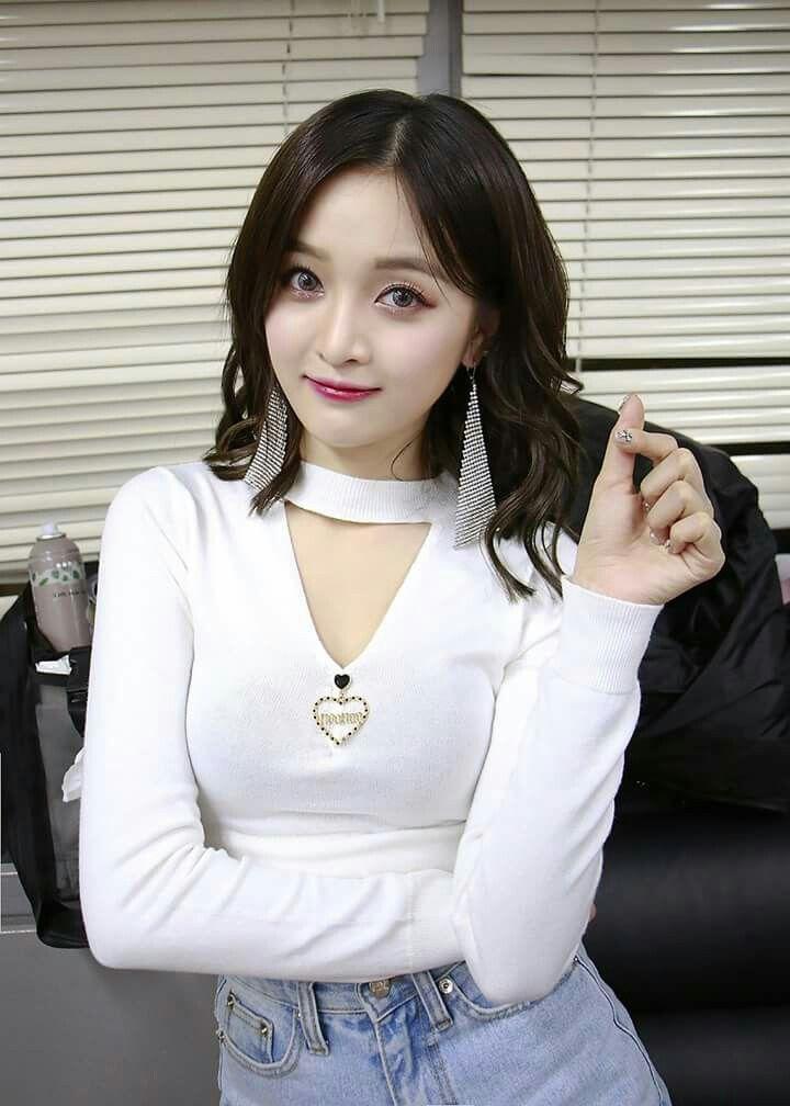 Cute Chinese Girl MoMo - Yi Xiao Qi Sexy Photos - Asian Hot