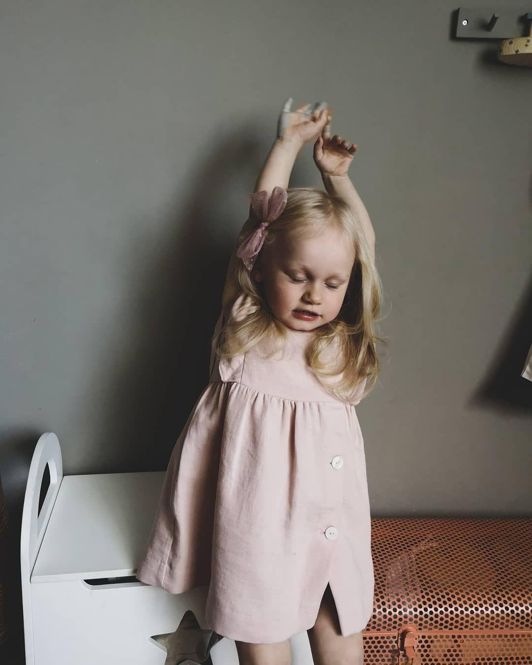Сегодня погода - полное блаженство! Собираю корзину для пикника, и на залив 🐚🦋 . . . . . . . . . . . . . #childrenseemagic#pixel_kids#childofig#kidsmood#minimodel#bicfp#kidsphoto#фотодети#jj_its_kids#kidsstyle#cutekids#kids_of_our_world#kidsforreal#clickinmoms#ig_motherhood#motherhoodsimplified#motherhoodsimplified#lookslikefilmkids#доченькамоя#дневникмамы#fashionkidsbabies#_kids_photos#momswithcameras#kidzootd_#celebrate_childhood#childhoodwonders#thelifestylecollective#lifewithkids#zarakids#