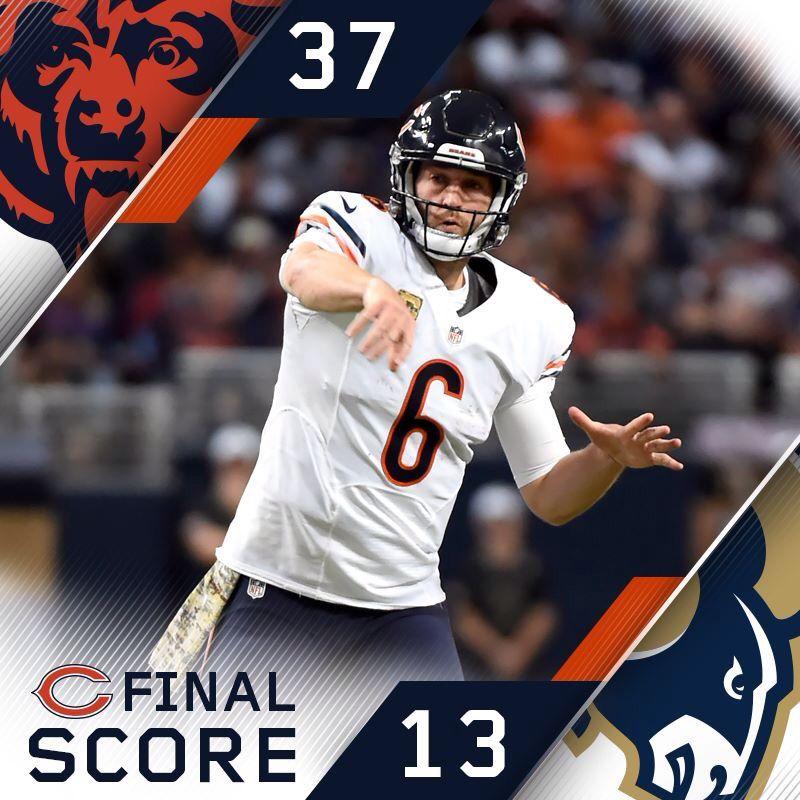 Da Bears Win Chicago Bears Chicago Sports The Bear Play