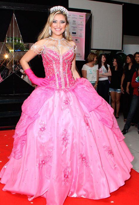 Os mais belos vestidos para os 15 anos!   Carnavales, Ropa y Vestiditos