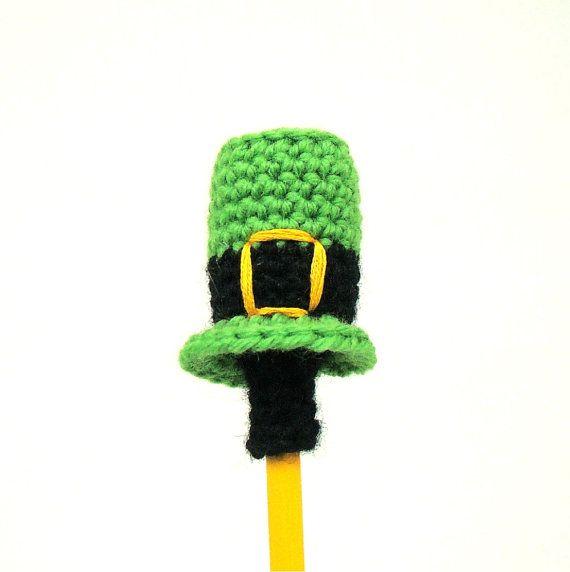 St Patricks crochet Patterns | St. Patrick\'s Day Mini Leprechaun Top ...