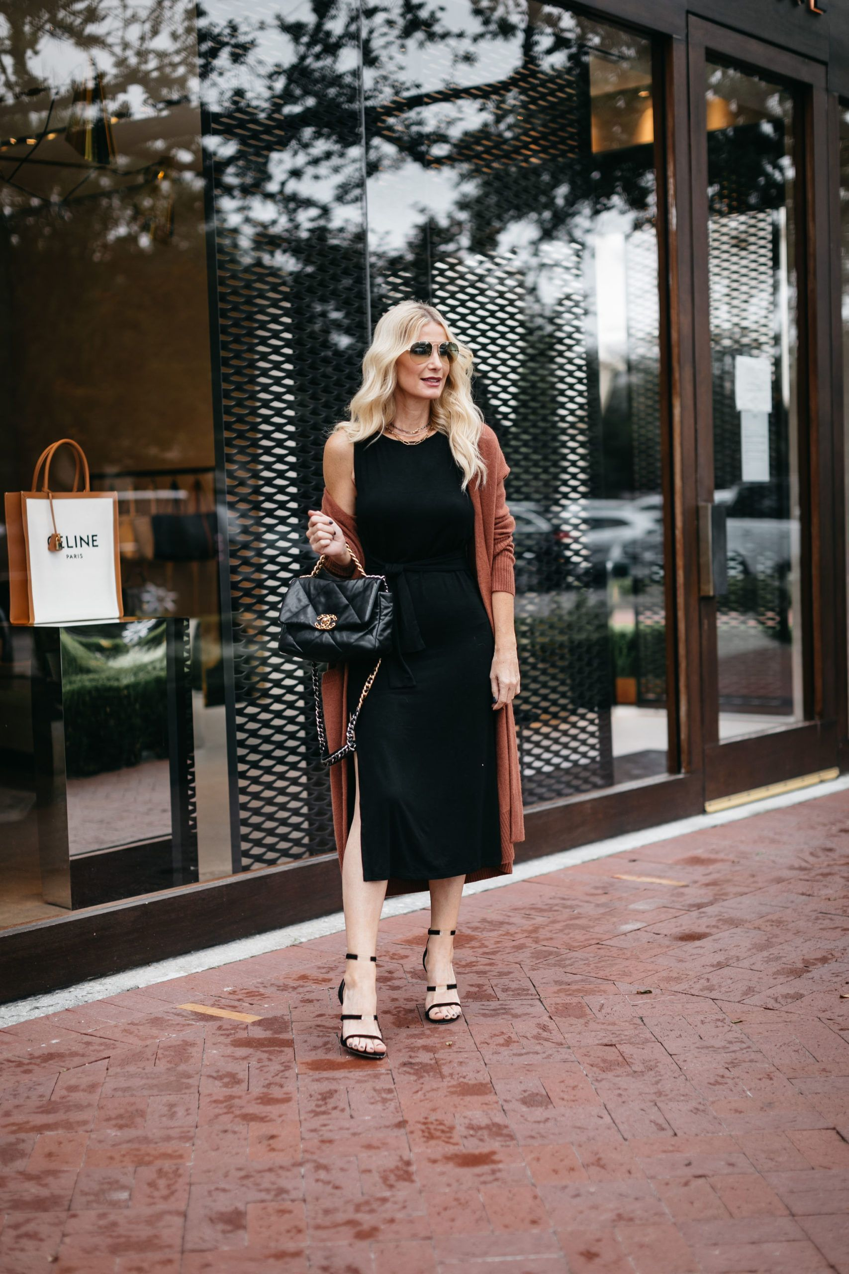 How To Wear A Little Black Dress Wearing An Lbd In The Fall And Winter Fall Capsule Wardrobe Winter Jacket Outfits Blogger Outfit Inspiration [ 2560 x 1707 Pixel ]