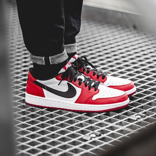 Nike Air Jordan 1 Retro Low Chicago