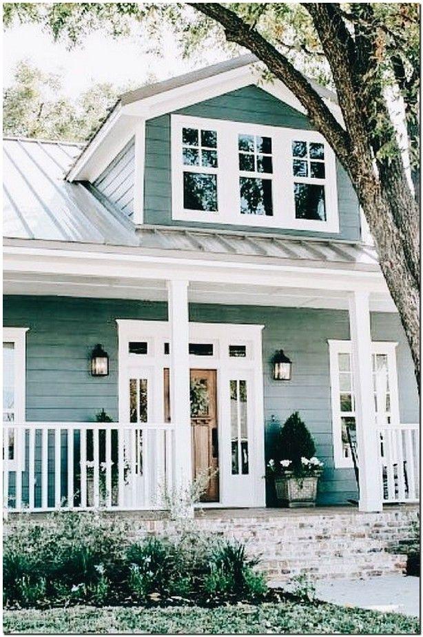 40 Beautiful Modern Farmhouse Trending Exterior Design Ideas 11