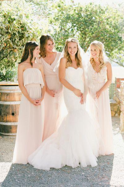 California wedding: http://www.stylemepretty.com/california-weddings/sonoma/2015/03/21/romantic-al-fresco-sonoma-wedding/   Photography: Onelove - http://www.onelove-photo.com/