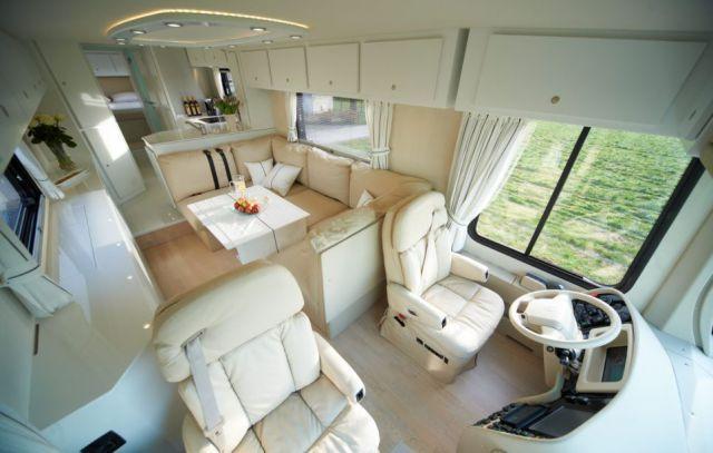 The World S Most Luxurious Motorhome 9 Pics Motorhome Interior Luxury Caravans Rv Interior