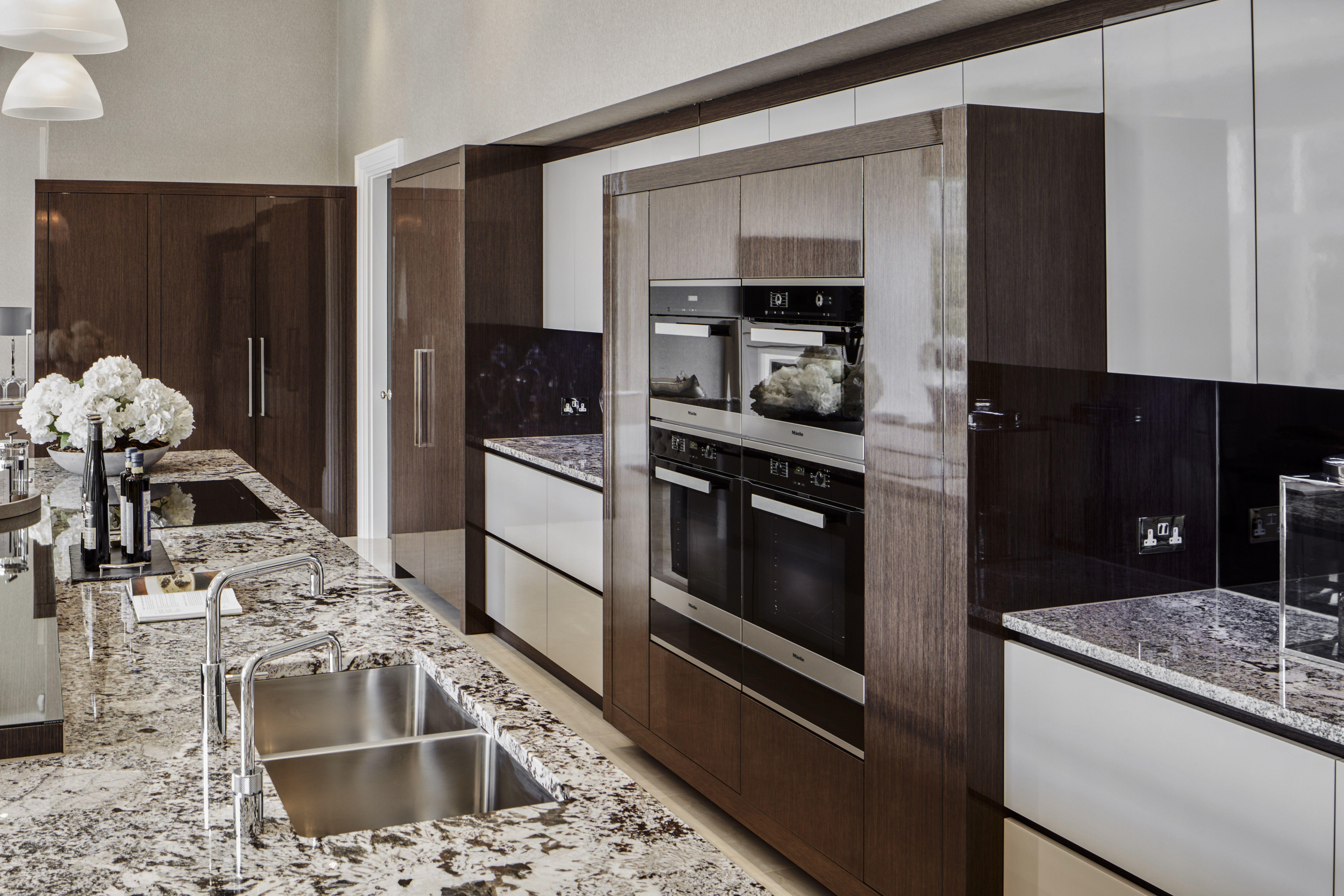 Best Extreme High Gloss Luxury Kitchen Design European 400 x 300