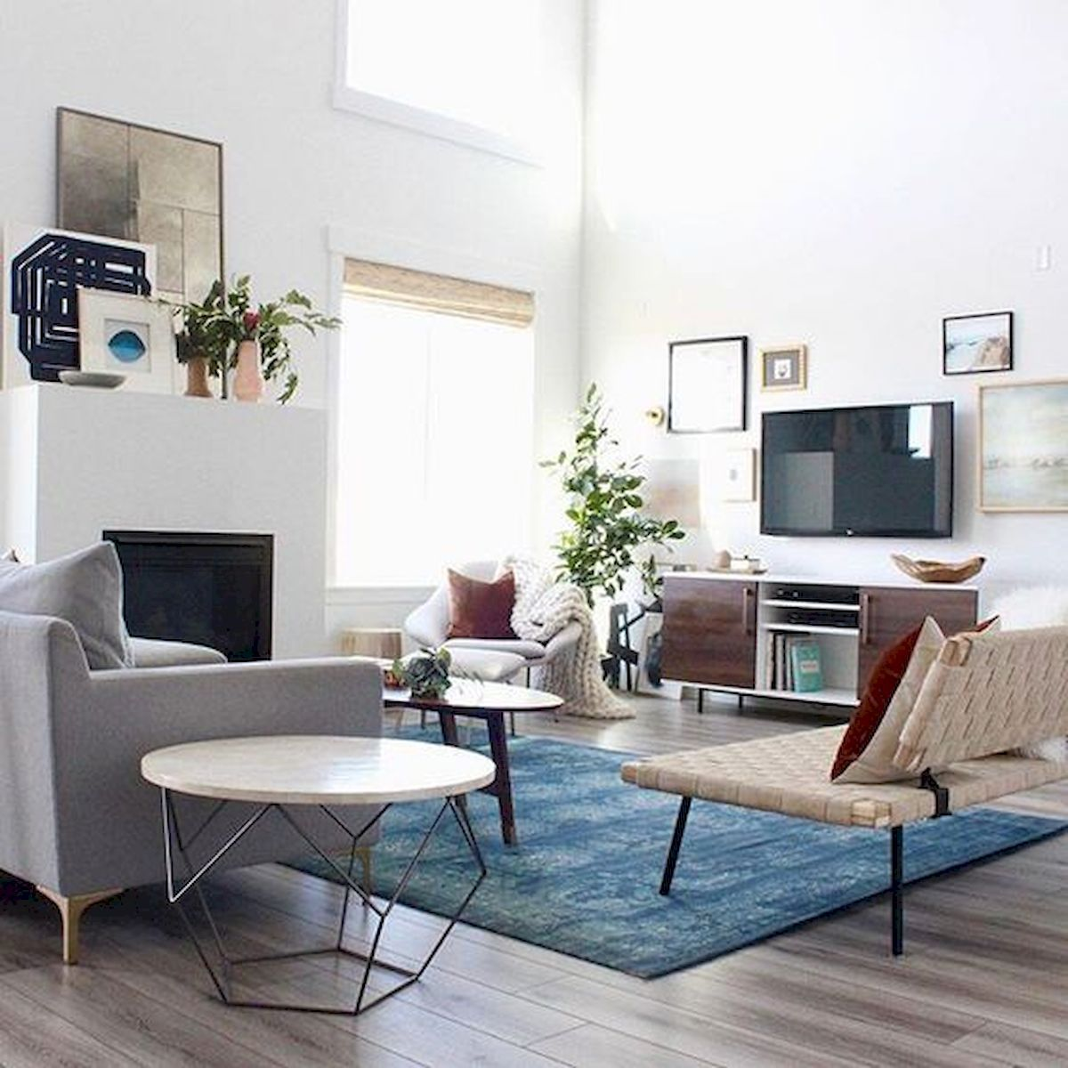 Best 33 Amazing Small Apartment Decorating Ideas On A 400 x 300