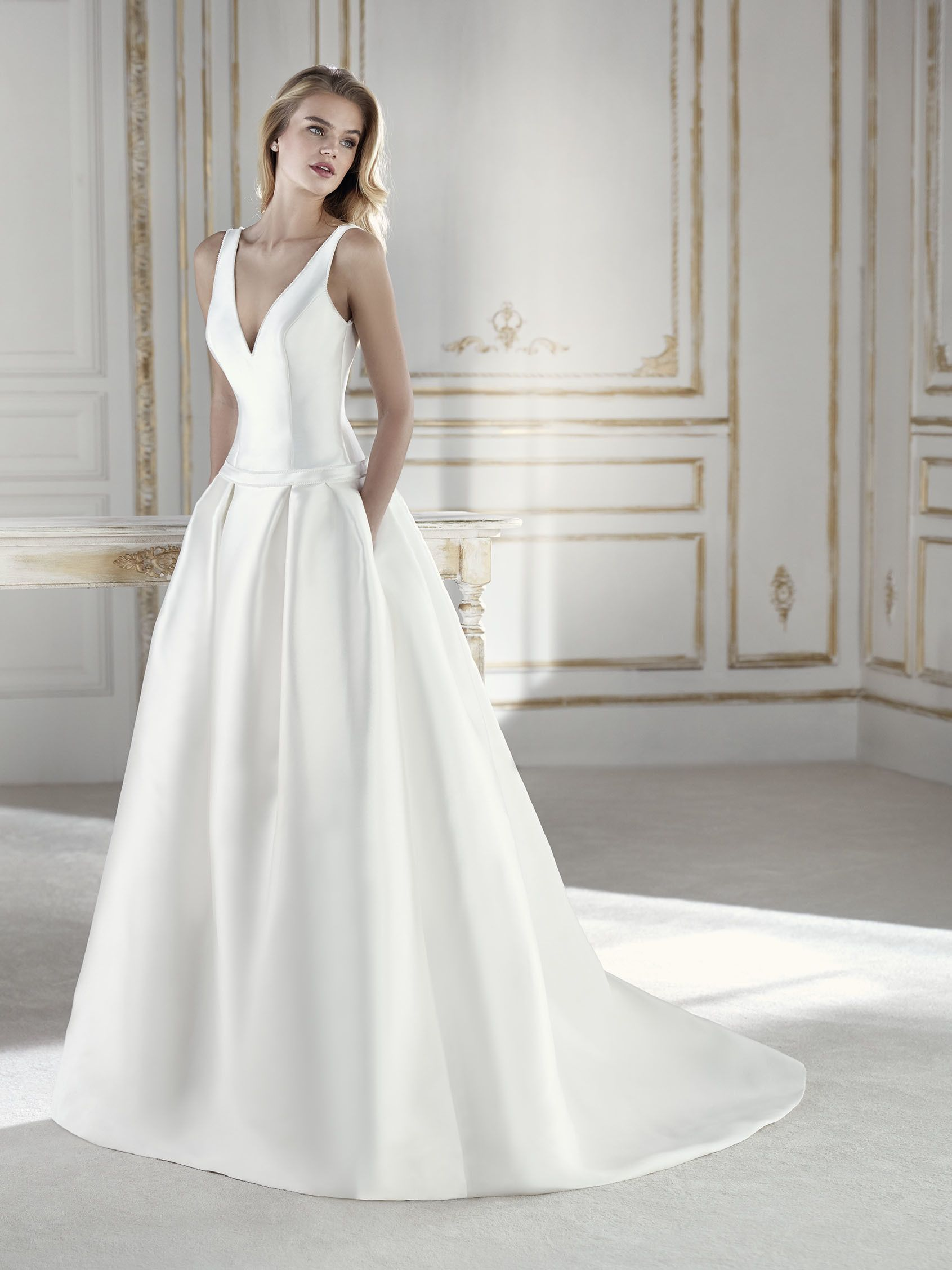 Fashion week Wedding Island dresses style pictures for woman