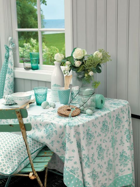~beach cottage porch dining~