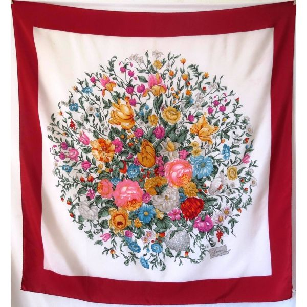0db4b64e709d Gucci,carré soie, foulard, luxe , accessoire, gucci , bas prix gucci ...