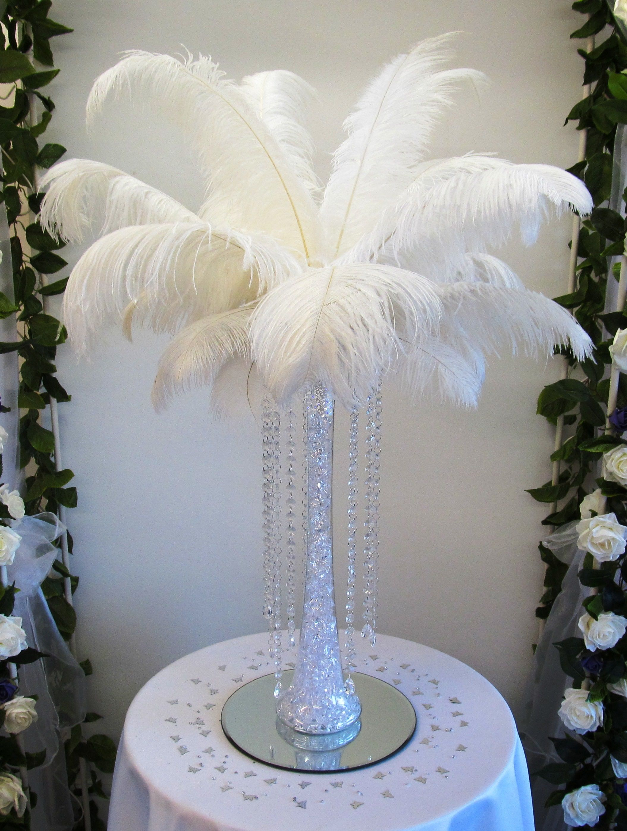 Merveilleux Tall Lily Vase Table Centrepiece With White Feathers