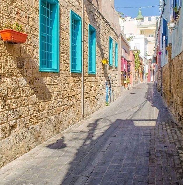 بيوت ومنازل تراثية في مدينة صور جنوب لبنان Tyre South Lebanon Old Houses Road Structures