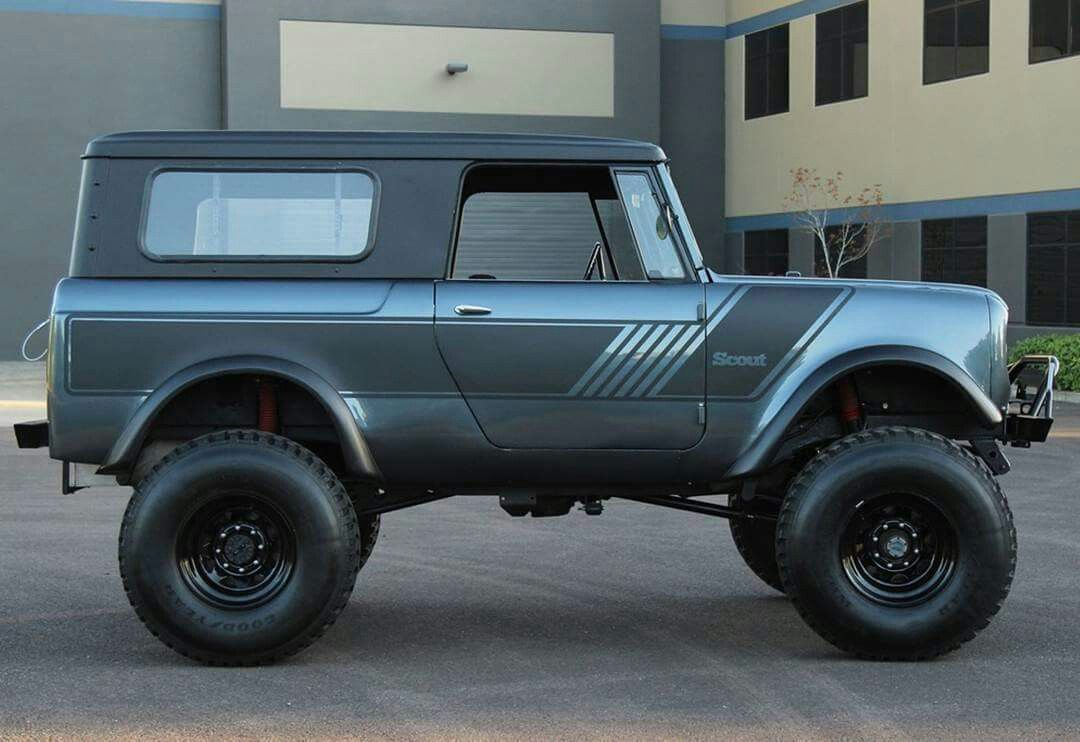 International Harvester Scout 800 | Broncos! | Scout truck