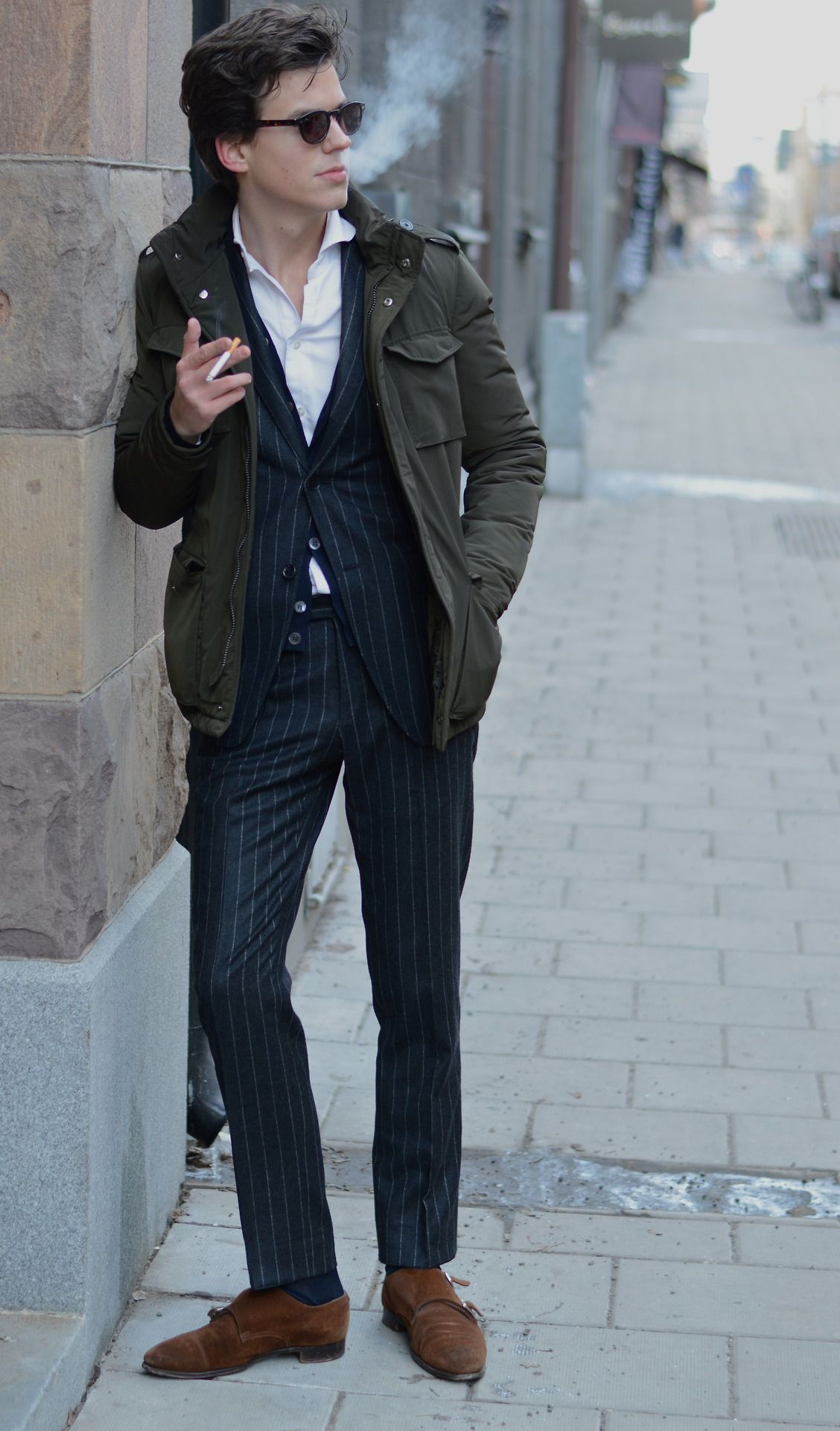 Suit with field jacket.