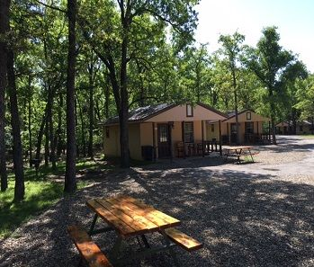 Never Been, But Have Cabins, Lake, Kid Play Area, Etc. East Of Dallas.