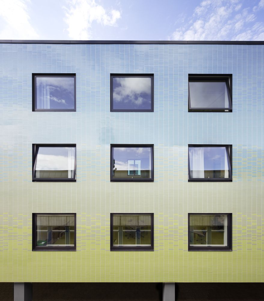 Gallery of district school in bergedorf blauraum architekten 7 pinterest facades - Blauraum architekten ...