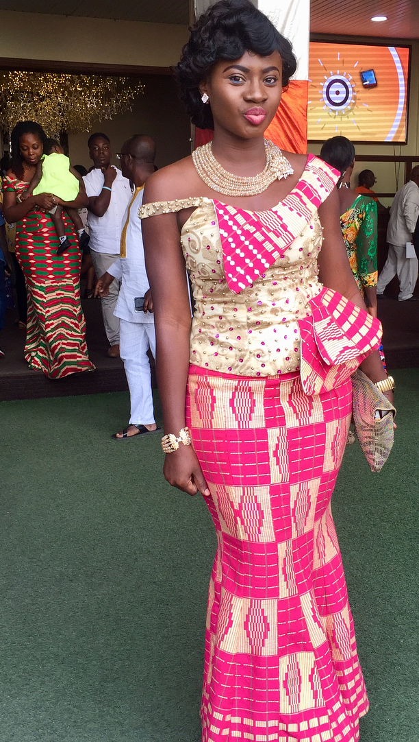 Martha Ankomah in kente outfit for christmas, African fashion ...