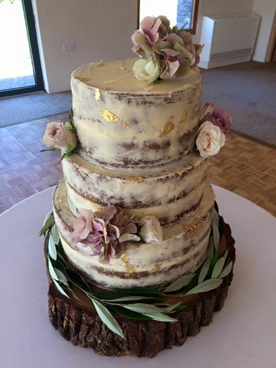 3 tier wedding cakes with fresh flowers my own 3 tier carrot wedding cake with vanilla 10329
