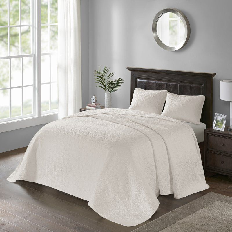 Lilia Reversible Bedspread Set