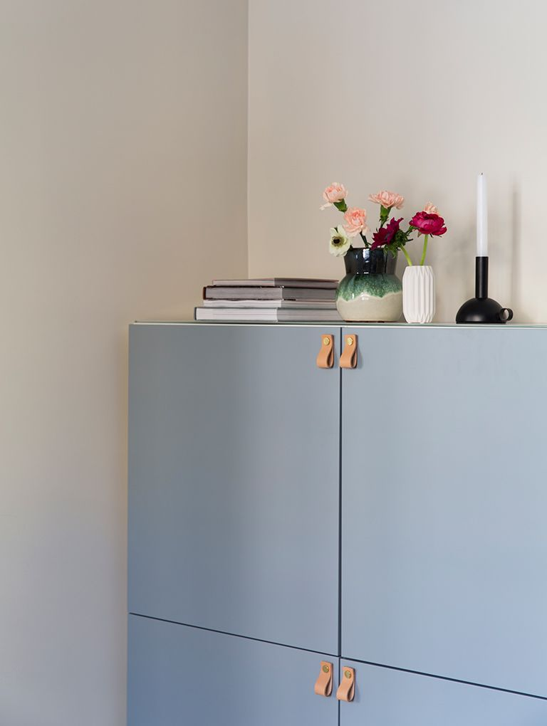 Helt nye DIY TV-benk/skap i stue: Bestå TV-benk fra IKEA. Skapfronter er UD-83