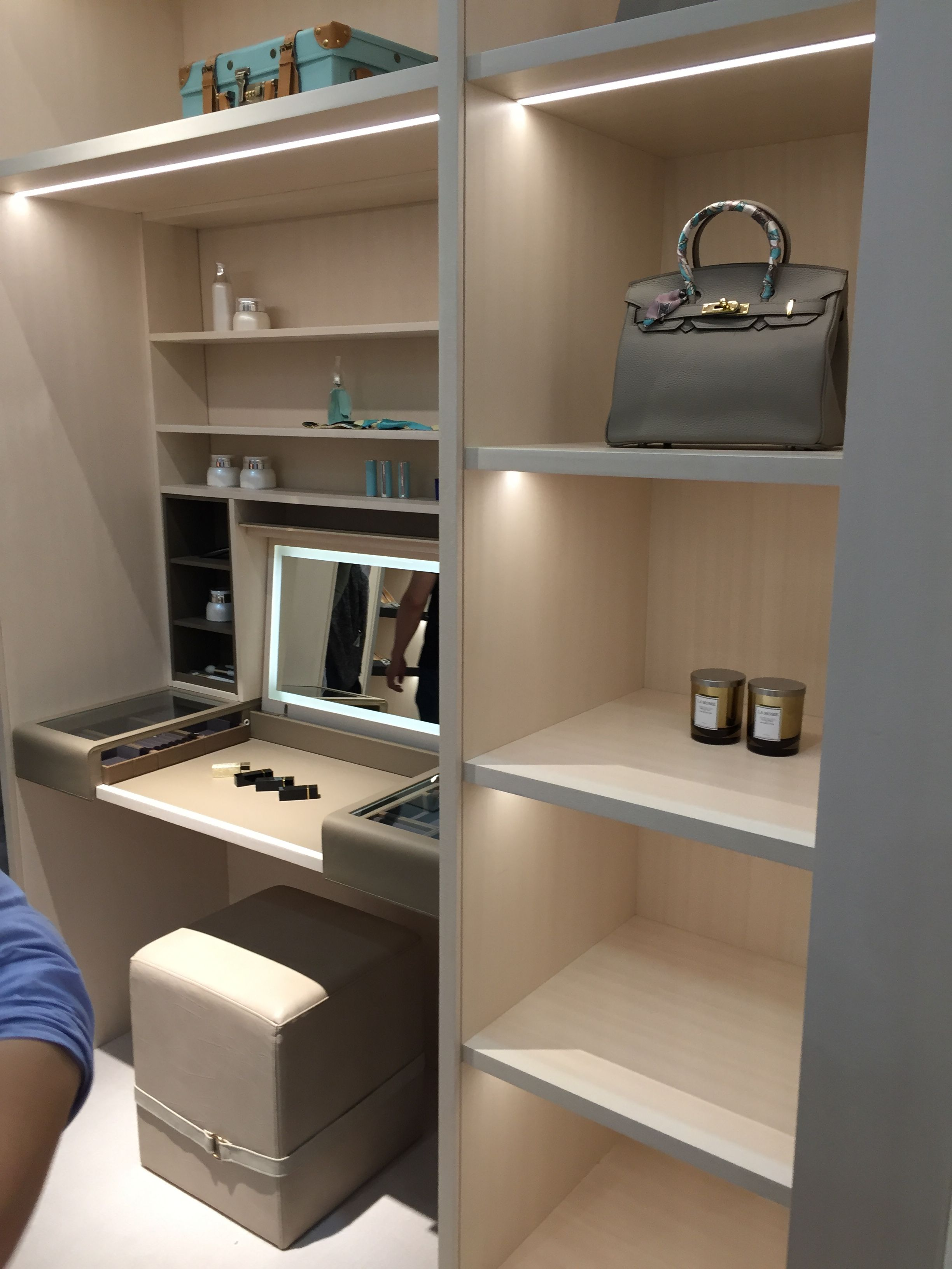 Pin by JUNO 居諾设计 on wardrobe Closet vanity, Walk in