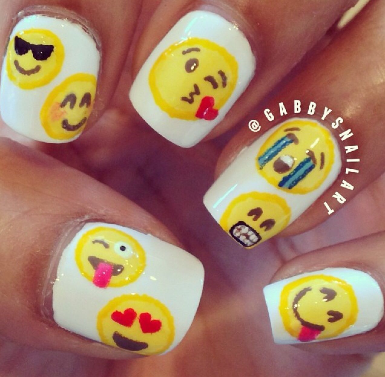 Pin de Brenda Carreon en Valeria Emoji   Pinterest   Uñas lindas ...