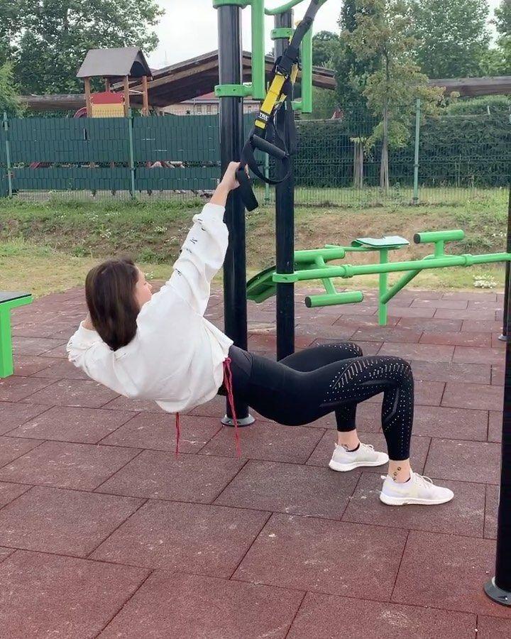 "𝐺𝑎́𝑠𝑝𝑎́𝑟 𝐸𝑠𝑧𝑡𝑖 on Instagram: ""Így péntekre.🙈🔥💣👏 • • • #esztifitness #workout #outdoor #outdoortraining #crossfit #personaltrainer #fitness #fitnessgirl #fitnesslife…"""