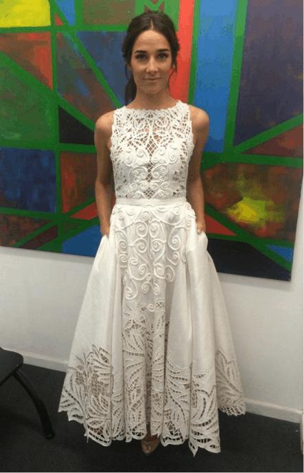 juana viale fue al programa de mirtha legrand con un vestido